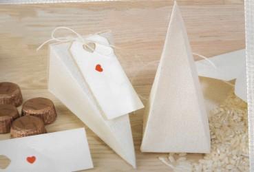 Caja piramidal de tela