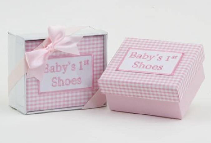 Caja mis 1º zapatos vichy rosa